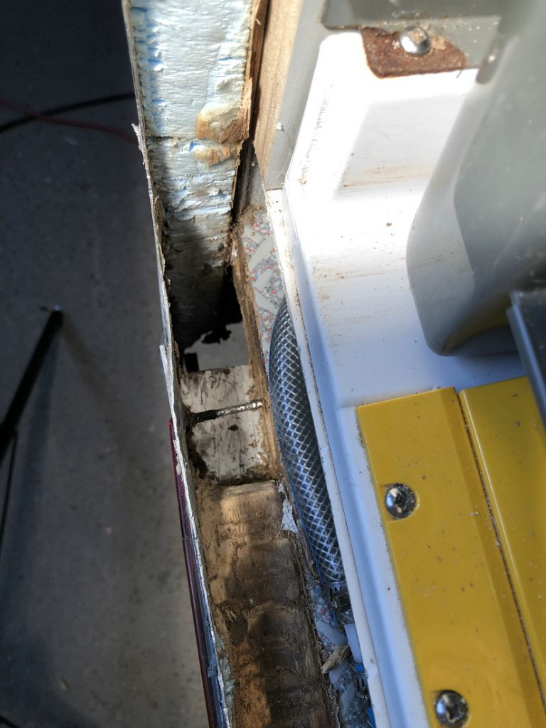 Holz entfernt, Tischer Wohnkabine 260S, Restaurierung, Reiseblog, Reiseberichte, Isuzu D-Max, Wasserschaden